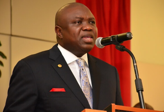 APAPA: FG MUST REVIVE PORTS IN OTHER STATES, OIL PIPELINES TO SAVE LAGOS FROM GRIDLOCK – AMBODE