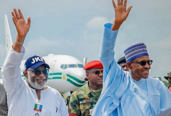 PHOTOS/VIDEOS: Buhari arrives Ekiti for APC mega rally