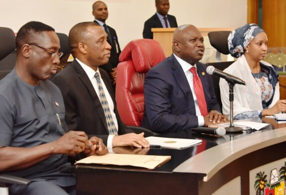APAPA GRIDLOCK: LAGOS SUSPENDS APPROVAL FOR DEVELOPMENT OF TANK FARMS