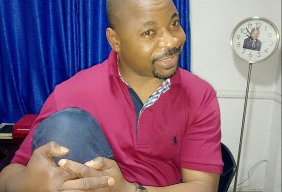 Thugs Stab 'MC Oluomo', Shoot Journalists During APC Rally In Lagos