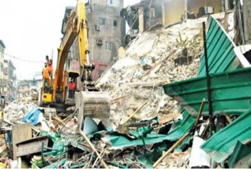 BREAKING: Children Trapped As 3-Storey Building Collapses In Lagos (VIDEO)
