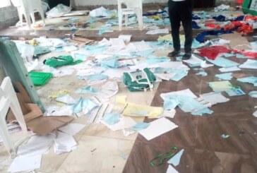 BayelsaDecides2019: Thugs Destroy Election Materials In Koluama (VIDEO)