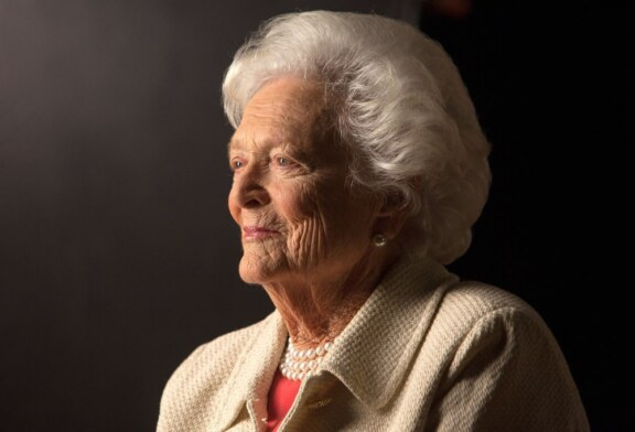 Trump, Obama, Others Mourn Barbara Bush