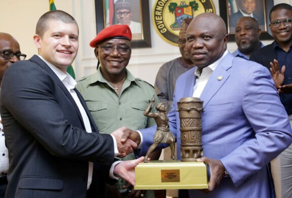 Buhari appoints Ambode into FG's delegation to World Cup